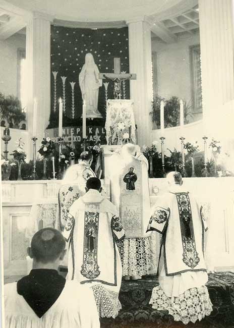 Konsekracja kościoła w Niepokalanowie, 1954 r.