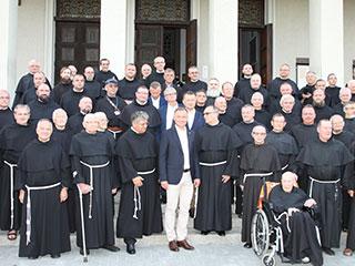 Prezydent Andrzej Duda z franciszkanami z Niepokalanowa